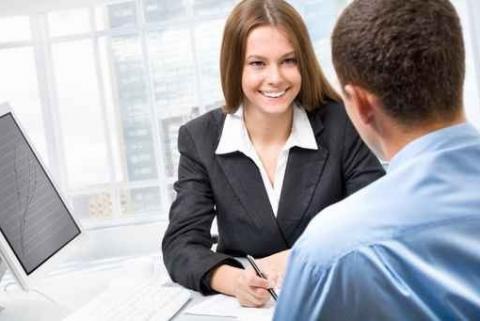 Axecibles vous donne les clés pour décrocher votre premier emploi